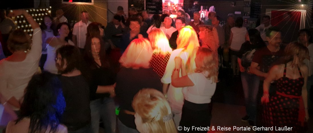 partyurlaub-mallorca-feiern-tanzen-disco-menschen