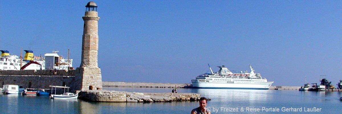 reiseziele-europa-griechenland-kreta-insel-strand-schiff-meer